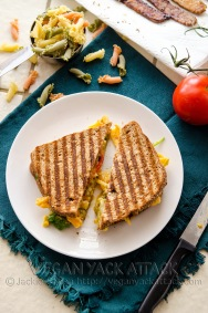 Grilled Mac Cheese BLT