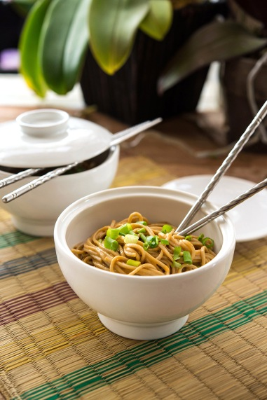 Spicy Peanut Noodles Happy Herbivore Holidays and Gatherings